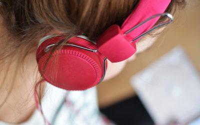 Músicas, fone de ouvido e produtividade no trabalho: como fazer isso andar junto?